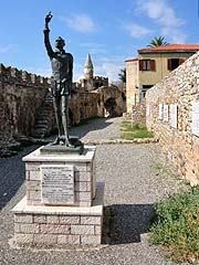 Nafpaktos, socha Miguela de Cervantes