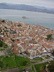 Nafplio, pohled na město zpevnosti Palamidi