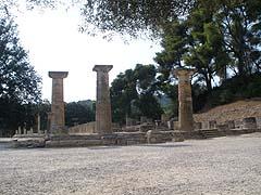 Olympie, chrám bohyně Héry, před kterým se zapaluje olympijský oheň