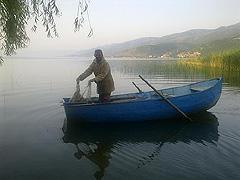 Ranní rybolov vOhridském jezeře