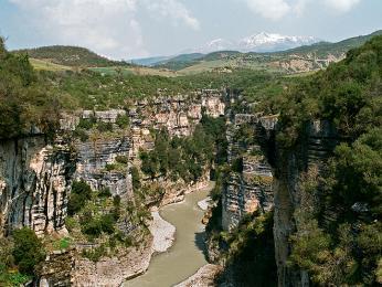 Kaňon na horním toku řeky Osum