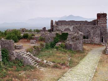 Pevnost Rozafa azbytky chrámu vybudovaného za časů byzance