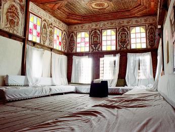 Horní místnost v Zekate house ve městě Gjirokastra