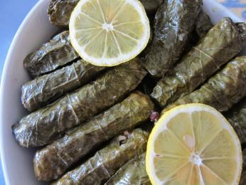 Yaprak, to jsou vinné listy plněné mletým masem arýží