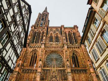 Známá památka katedrála Notre-Dame se nachází v centru Štrasburku