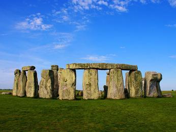 Čelní pohled na Stonehenge