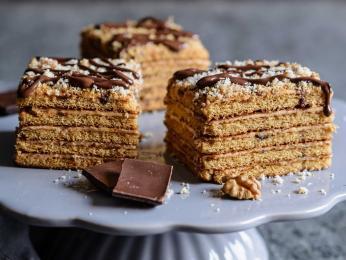 Čechy oblíbený dort Marlenka vychází ze staroarménské receptury