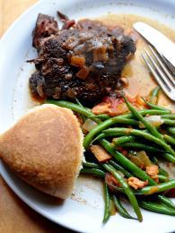 Pokrm zvaný alcatra se tradičně připravuje na ostrově Terceira