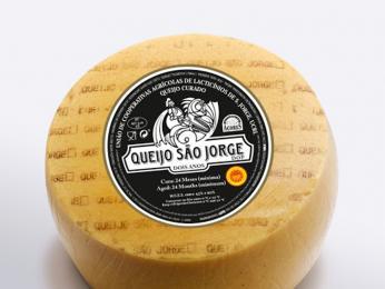 Queijo de São Jorge je jeden znejlepších sýrů z Azorských ostrovů
