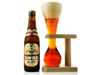 Originální způsob servírování piva Kwak
