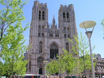 Katedrála svatého Michala a svaté Guduly byla pojmenována podle svatých patronů Bruselu