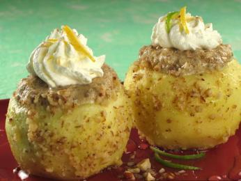 Zajímavým dezertem může být tufahija, dušená jablka svlašskými ořechy