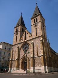 Katolická katedrála Nejsvětějšího Srdce Ježíšova postavená vneogotickém stylu