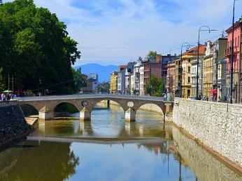 Latinský most, unějž došlo roku 1914 katentátu na rakouského následníka trůnu Franze Ferdinanda