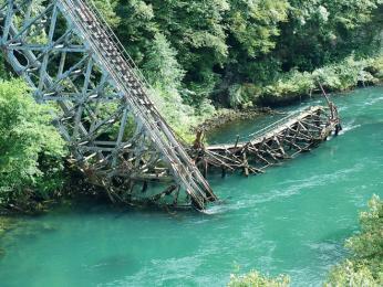 Železniční most vJablanici, který vyhodily do povětří partyzánské jednotky