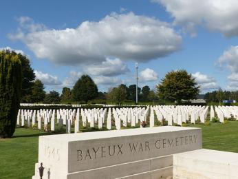 Britský válečný hřbitov v Bayeux