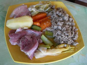 Bretaňské jednoduché farmářské jídlo kig ha farz