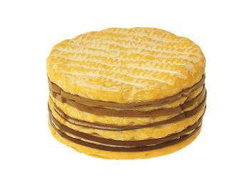 Pikantní a aromatický sýr Livarot soranžovou kůrkou má tvar cylindru