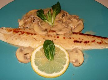 Příprava à la normande značí pokrmy somáčkou zmásla, smetany či sýra