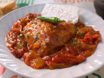 Pikantní ljutika skvěle doplňuje kuřecí maso