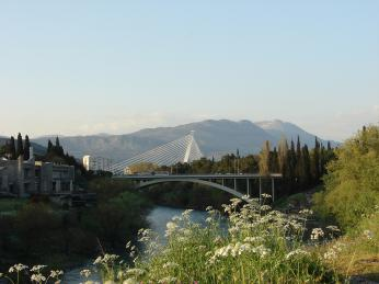 Most Milenijum vhlavním městě Podgorica