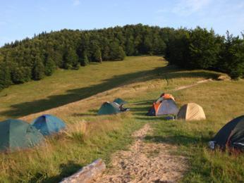 A takhle vypadalo naše první tábořiště ve volné přírodě