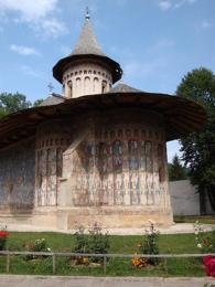 Voronecký klášter se svými venkovními freskami