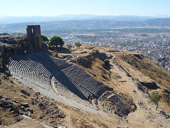 Amfiteátr v Pergamonu je prý nejstrmější na světě
