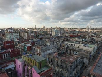 Výhled na Havanu ze střechy hotelu