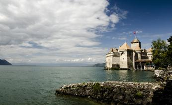Ženevské jezero shradem Chillon