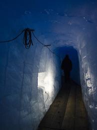 Procházka ledovcovou jeskyní