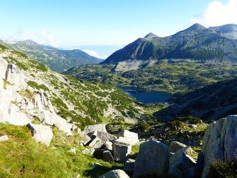 Velké množství jezer v Pirinu vzniklo ledovcovou čtvrtohorní činností