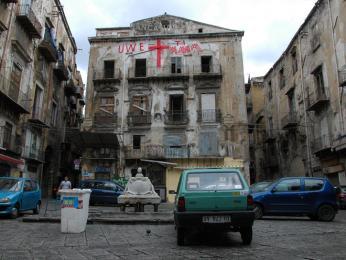 Chudinská čtvrť Palerma storzy domů zničených během 2.světové války