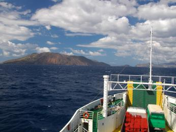 Plavba trajektem na okolní Liparské ostrovy