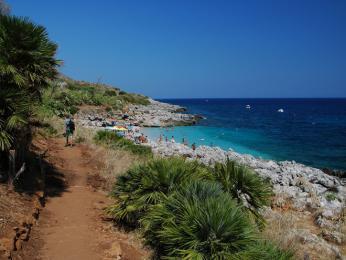 Skvostné plážičky mezi rozeklanými skalami vNP Zingaro