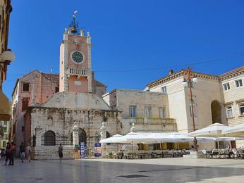 Historické jádro Zadaru vybízí kpříjemnému posezení
