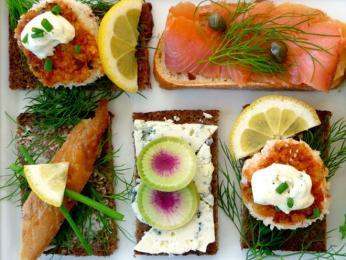 Obložené chlebíčky smørrebrød můžou být ipastvou pro oči