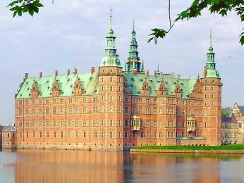 Frederiksborg sloužil jako dánské královské sídlo