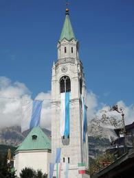 Basilica dei Santi Filippo e Giacomo vCortina d'Ampezzo