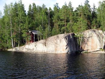 Na chatě poblíž jezera tráví mnozí Finové téměř všechny letní víkendy
