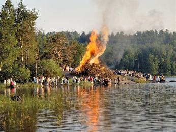 Červnové oslavy svátku Juhannus