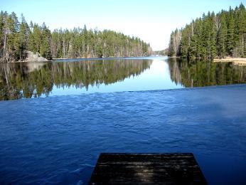 Poslední zbytky ledu na jezerech roztávají na jihu Finska až vdubnu