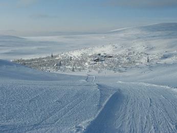 Do Laponska vzimě lákají tisíce kilometrů dokonale upravených běžeckých tratí