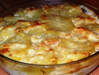Pomme de terre gratinée - zapečené brambory se smetanou