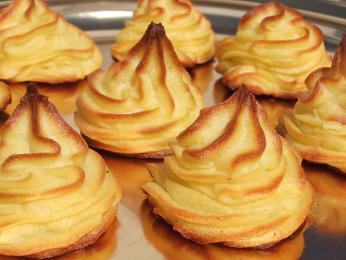 Hraběnčiny brambory jsou vyrobené zbramborové kaše a vajec