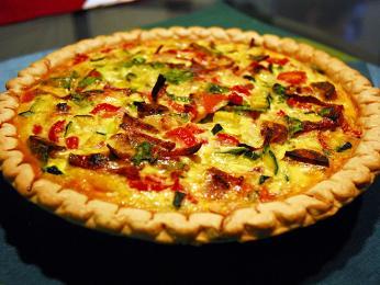 Nejznámější quiche je zLotrinska, obsahuje sýr a slaninu