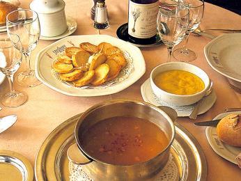 Soupe de poissons - rybí polévka často podávaná srouille