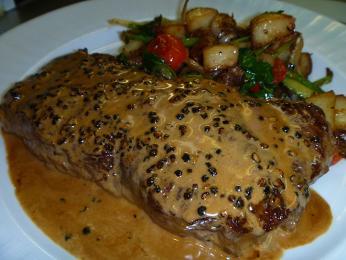 Steak au poivre - steak spepřovou omáčkou