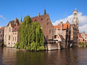 Vodními kanály protkané město Bruggy