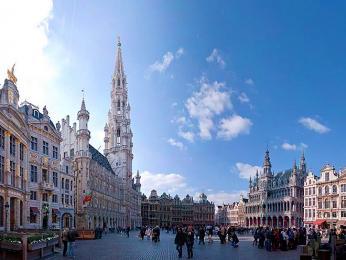 Hlavní náměstí Grand-Place vybudované v barokním stylu vcentru Bruselu